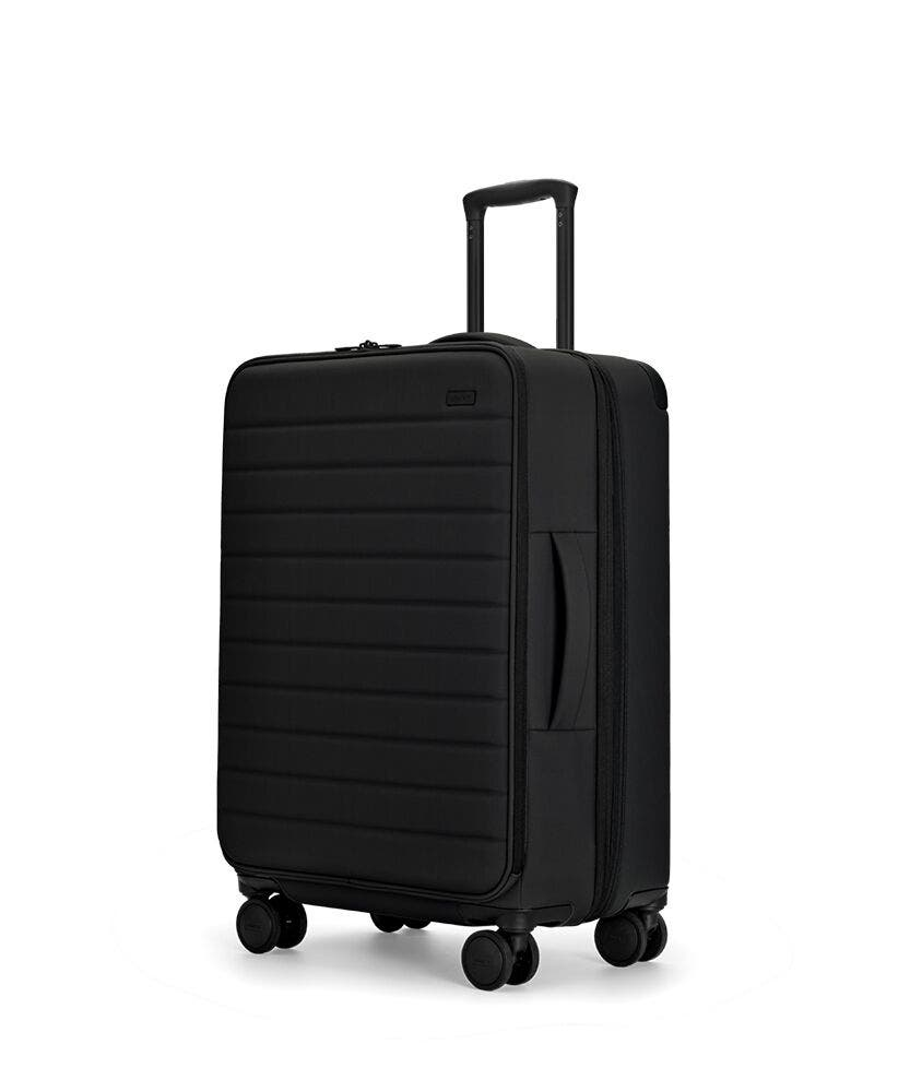 The Expandable Medium in Black